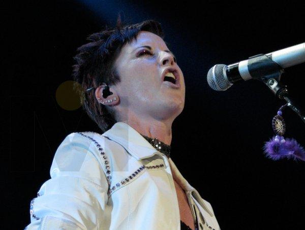 10-Dolores excelente voz.jpg