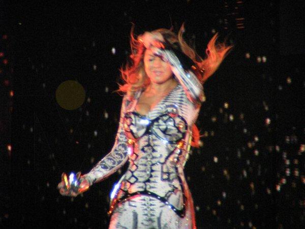 14-Fergie-canto-piezas-que-la-han-hecho-famosa.jpg