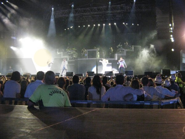 04-El-concierto-arranco-a-las-9-21-de-la-noche.jpg